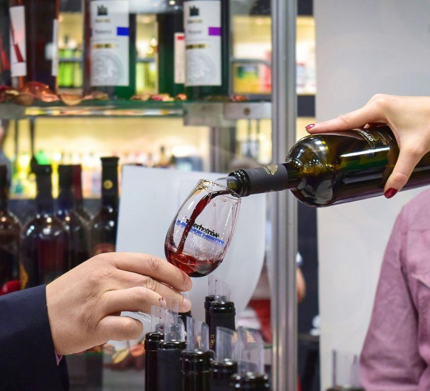 Wine Picture 1400 x pX